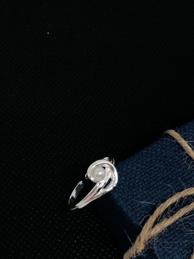 Anillo de Plata de Ley y perla (ajustable)